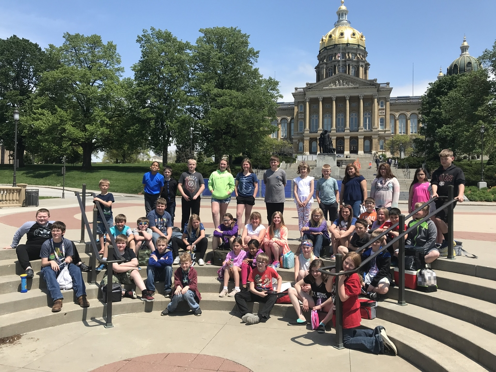 4th/5th grade at Capitol Building.
